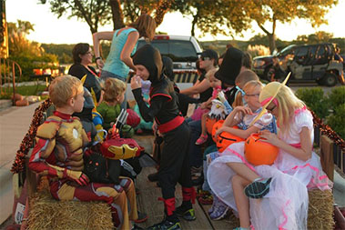 voscroll_0003_Vintage-Oaks-Halloween-2013-22